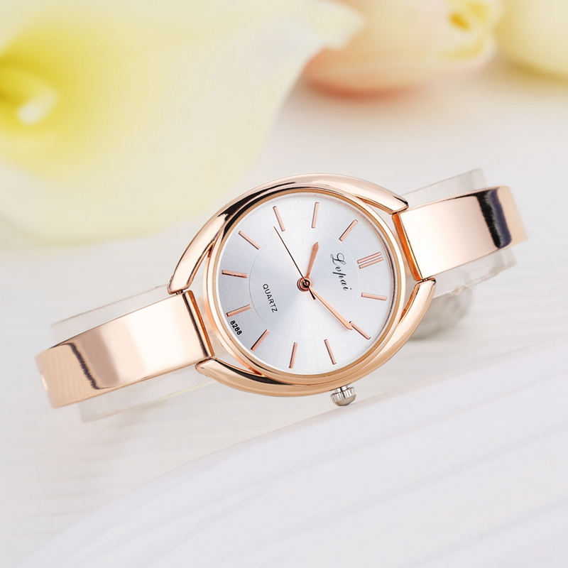 Elegant Designed Ladies Watch Rose Golden Quartz Wrist