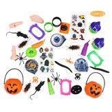 120 peças de insetos travessos e brinquedos complicados de Halloween para jogos de festas infantis