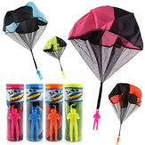 Parachute Toy Kaste og slippe utendørs Moro Toy Outdoor Sports Leker Random Color With Soldier Doll