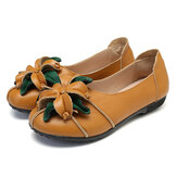 SOCOFY Retro Handmade Flower Decor Soft Flat Casual Leather Loafers