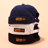 Sombreros sin ala con etiqueta de color sólido con letras Cráneo Gorras