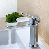 Grifo de agua simple y simple de una manija simple Cuarto de baño Grifo de lavabo de lavabo grifo de cubierta 4 colores