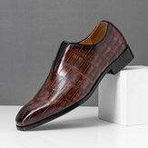 Férfi bőr Soft egyetlen hegyes orrú krokodil mintás csizma a hétköznapi ruhacipőkön