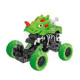 O dinossauro verde puxa para trás os brinquedos internos das crianças plásticas dos brinquedos do carro