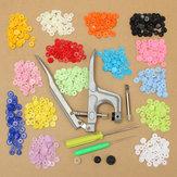 Kleidung Knopfverschluss Snap  Zange mit 150Set Bunte T5 Snap  Kunststoffknöpfe