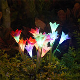 4 LED Solar Power Lily Flower Stake Lights al aire libre Garden Path Lámparas luminosas Decoraciones navideñas Luces