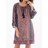 Mini-robe bohémienne à encolure en V