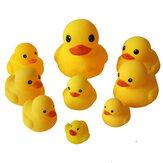9 قطع ألعاب الحمام بطة صفراء كبيرة من الفينيل تلعب بين الوالدين والطفل في الماء يرافق الطفل في الحمام ألعاب مهدئة لهدايا الأطفال