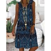 Damska sukienka bez rękawów z dekoltem w szpic w stylu vintage