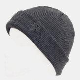 Uomo con foro rotto Stile Autunno Inverno Mantenere caldo Ispessito Colore solido Cappello da padrone Cranio Cappello lavorato a maglia