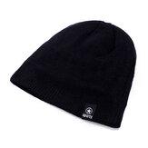 قبعة صوفية محبوكة في الهواء الطلق أزياء محبوك عارضة قبعة
