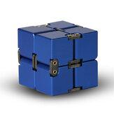 Mini portátil Infinity Divertido Magia Cube Aleación de aluminio Ansiedad Alivio del estrés Juguetes para niños Adultos