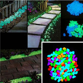 100Pcs / Set Luminous Glow Pebble Stones Aquarium Garden Walkway Rock Décorations pour la maison