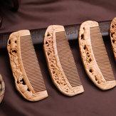 Pettine in legno intagliato
