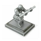シルバーエグゼクティブナイトペンホルダーアクションフィギュアArmorヒーローペンホルダーテーブルデコレーションおもちゃ