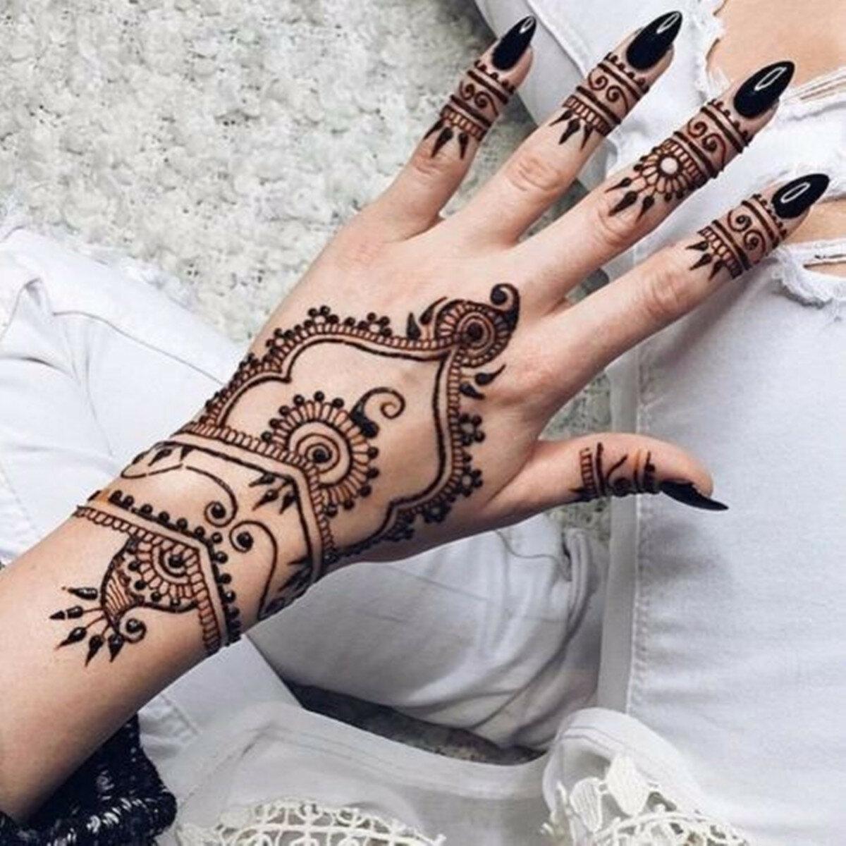 Temporary Black Henna Tattoo: Black Natural Squishy Herbal Henna Cone Temporary Tattoo