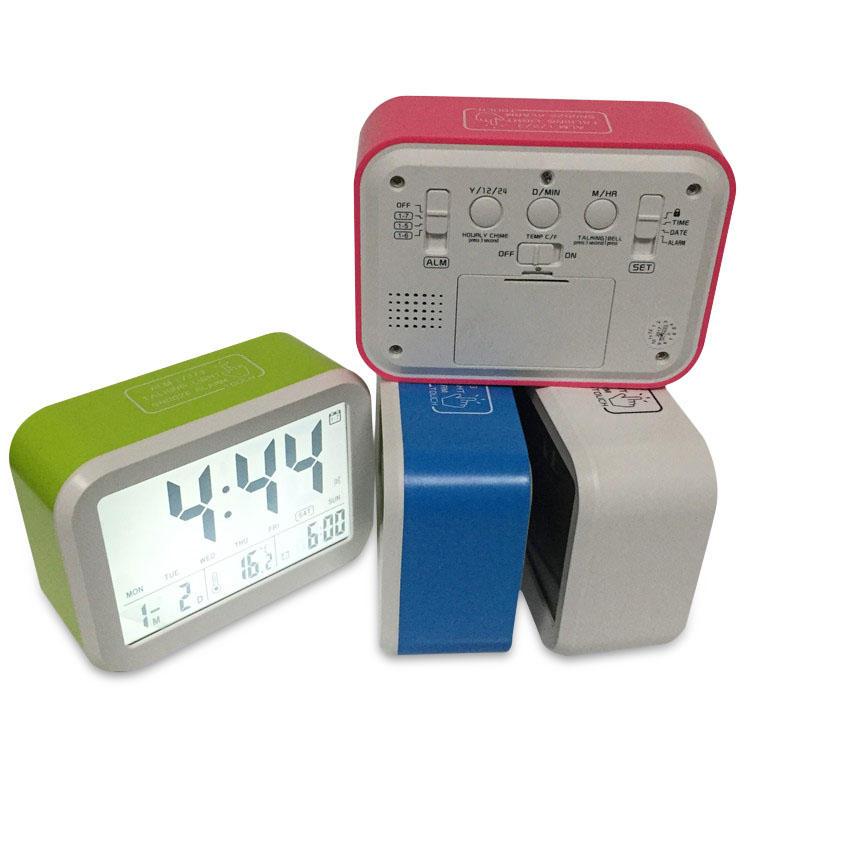 ABS LED Luz de noche Digital Termómetro Grande LCD Pantalla Reloj Función de despertador con calendario Alarma de escritorio Reloj Luz de niños electrónica Reloj Luz Sensor Mesa de oficina con luz nocturna Reloj Alumno Reloj