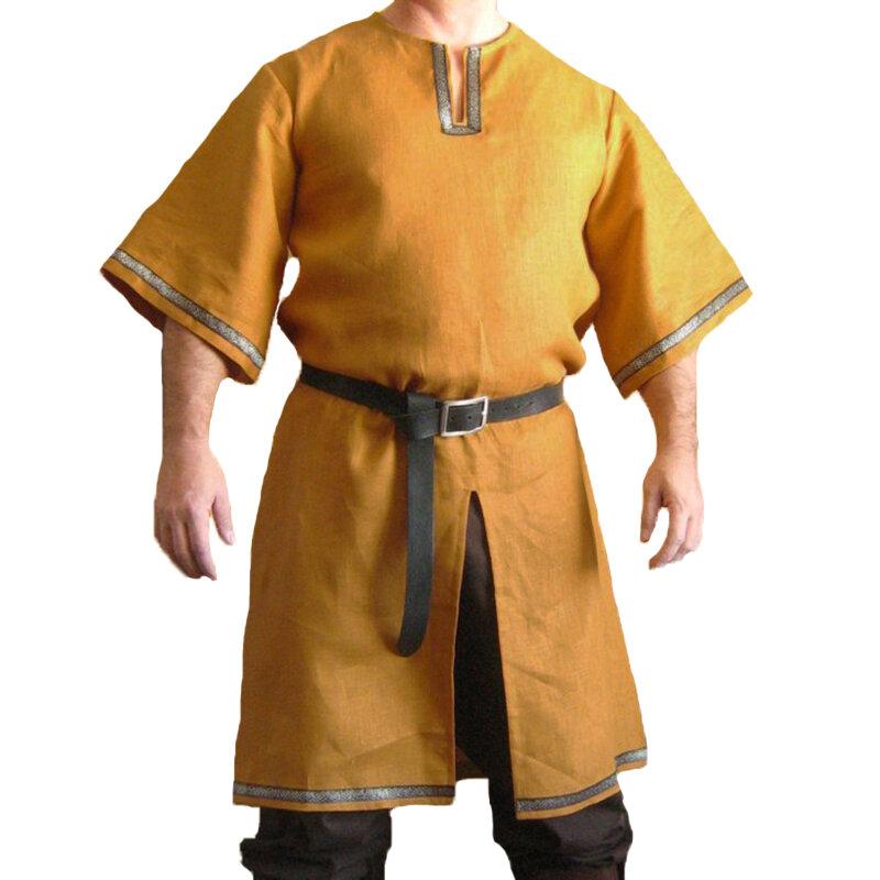 Tappning medeltida scen med guld-rimmed Slits Hem Tops Skjortor