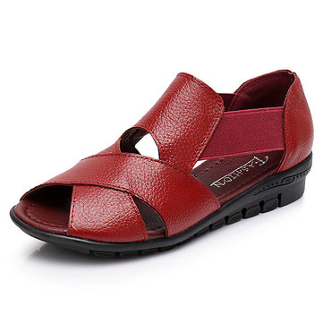Women Genuine Leather Hollow Out Shoe Breathable Casual Flat Sandals